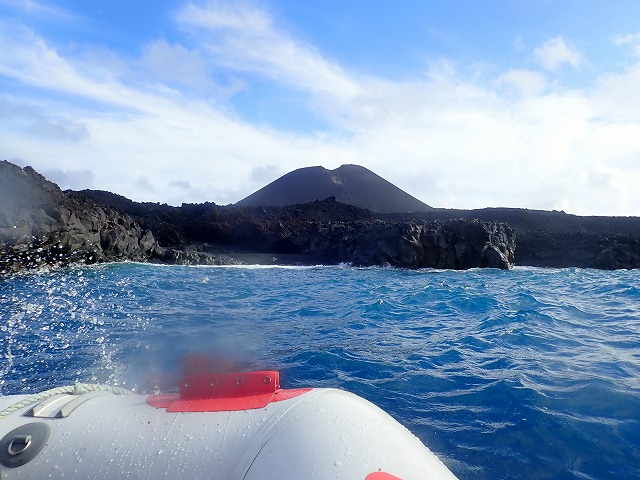 Nishinoshima Island: interview with researcher on recent expedition in September